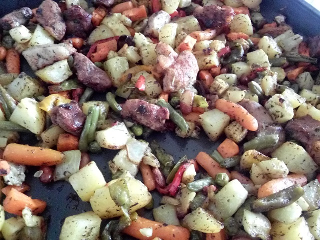 Овощи запеченные с мясом.