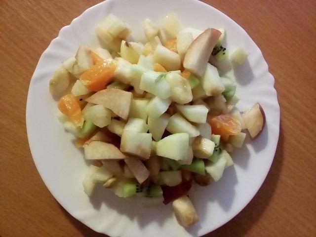 Фруктовый салат (простой)