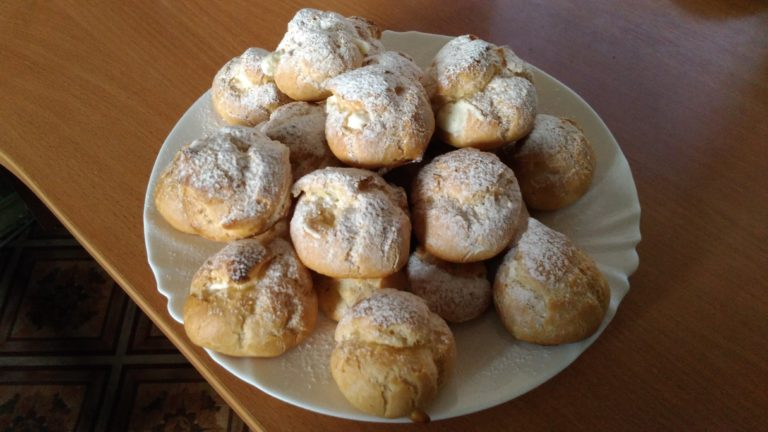 Заварные булочки со взбитыми сливками рецепт